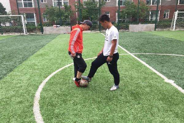 体育组足球教研-- 正脚背射门