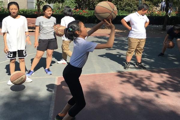 微课题《 如何练习正确的单手肩上投篮技术动